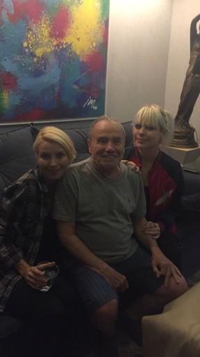 Stênio Garcia com as filhas Cassia e Gaya (Foto: Arquivo pessoal)