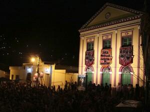Encerramento do Caminhos do Frio aconteceu no Largo do Teatro Santa Ignêz, em Alagoa Grande (Foto: Francisco França/Secom-PB)
