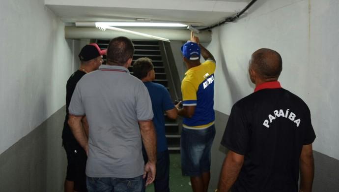Vestiário do Almeidão quebrado, Atlético-PB, Estádio Almeidão, Campeonato Paraibano (Foto: Pedro Júnior / TV Torcedor)