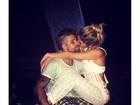 Bruno Gagliasso e Giovanna Ewbank trocam carinhos nas redes sociais