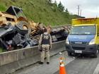 Acidente com caminhão deixa duas pessoas feridas na BR-116, no Paraná