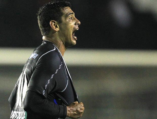 Diego Souza, Vasco x Lanús (Foto: EFE)