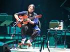 'Fenômeno' da música, violonista Yamandu Costa faz show em Manaus