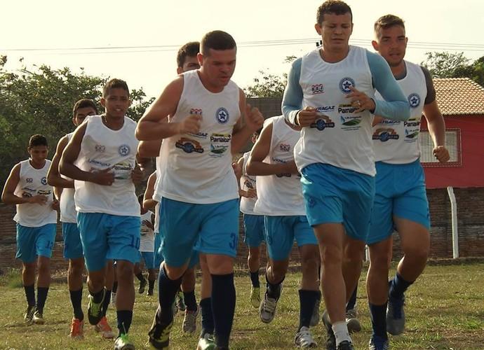 Parnahyba treina no CT Petrônio Portela (Foto: Renneé Fontenele/Portal Azulino )