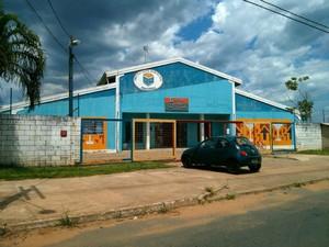 Na escola do Rechã, pelo menos 70 estudantes estão sem aula (Foto: Cláudio Nascimento / TV TEM)