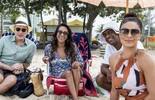Elenco grava cenas finais de 'Totalmente Demais' na praia