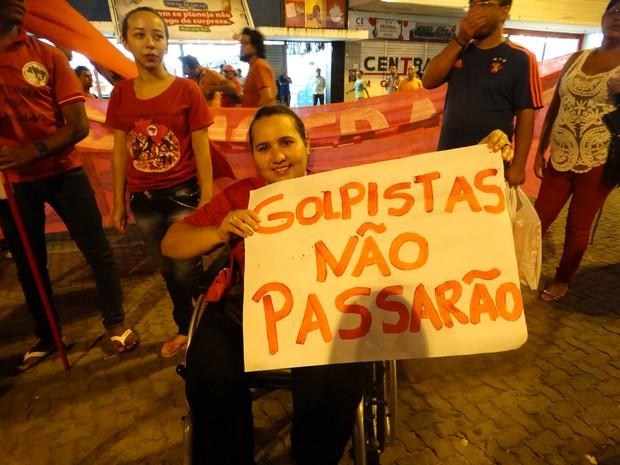 Joelma comemorou a nomeação de Lula para o Ministério da Casa Civil (Foto: Joalline Nascimento/ G1)
