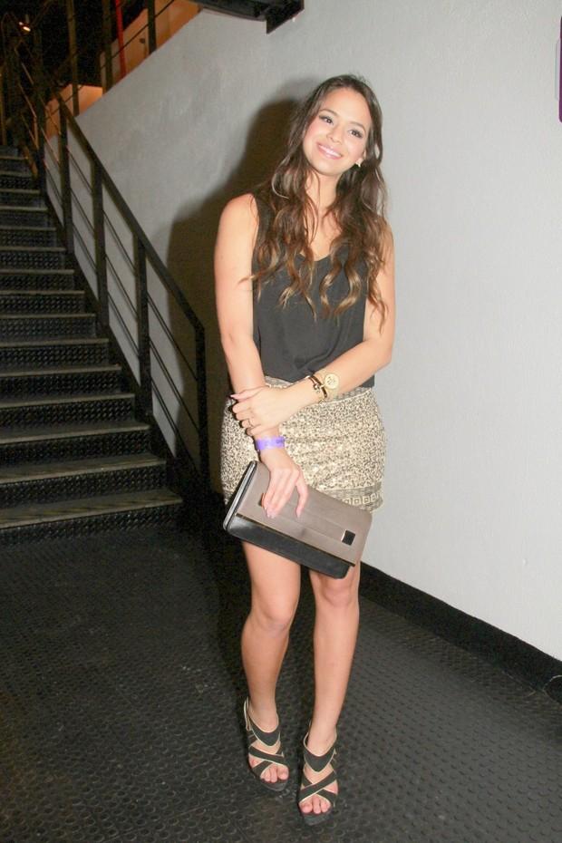 Bruna Marquezine  em show de Anitta (Foto: Isac Luz / EGO)