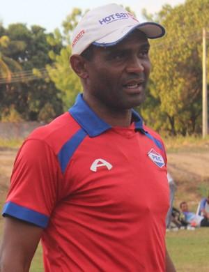 Técnico Marcão - Piauí Esporte Clube (Foto: Emanuele Madeira/GLOBOESPORTE.COM)