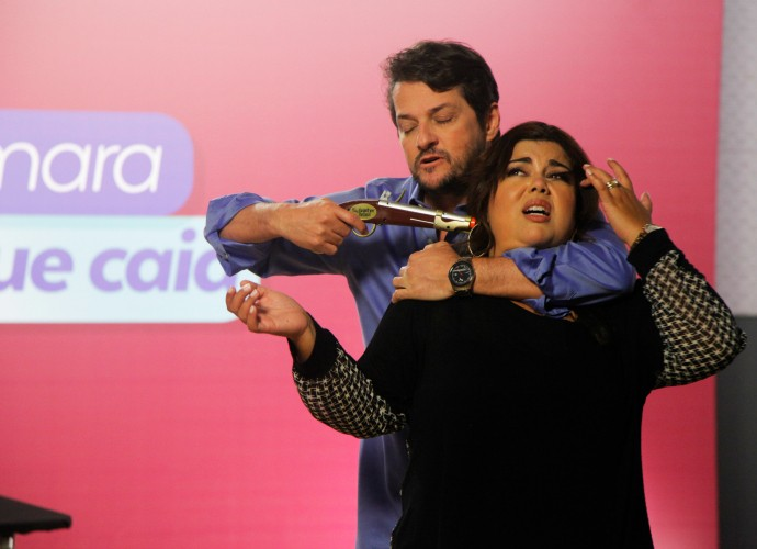 Marcelo Serrado e Fabiana Karla em ensaio do programa Tomara que Caia (Foto: Artur Meninea/Gshow)