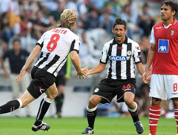 Dusan Basta e Gianpiero Pinzi, Udinese x Braga (Foto: Agência AP)