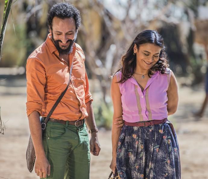 Beatriz e Bento conversam sobre a relação (Foto: Caiuá Franco/ Globo)