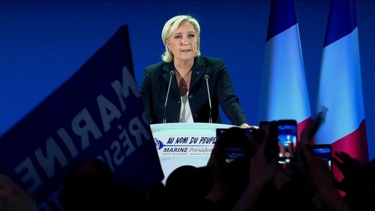 """""""Sobrevivência da França está em jogo"""", afirma Marine Le Pen"""