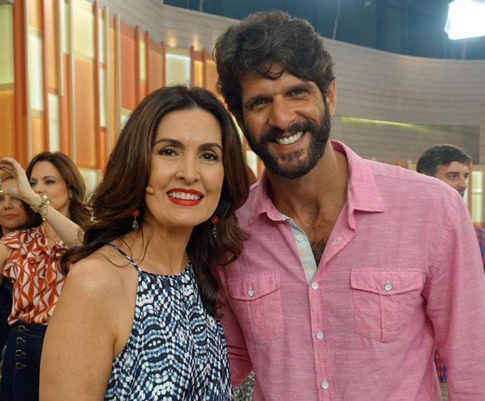 Fátima posa com o ator Guilherme Chelucci  (Foto: Juliana Hippert/Gshow)