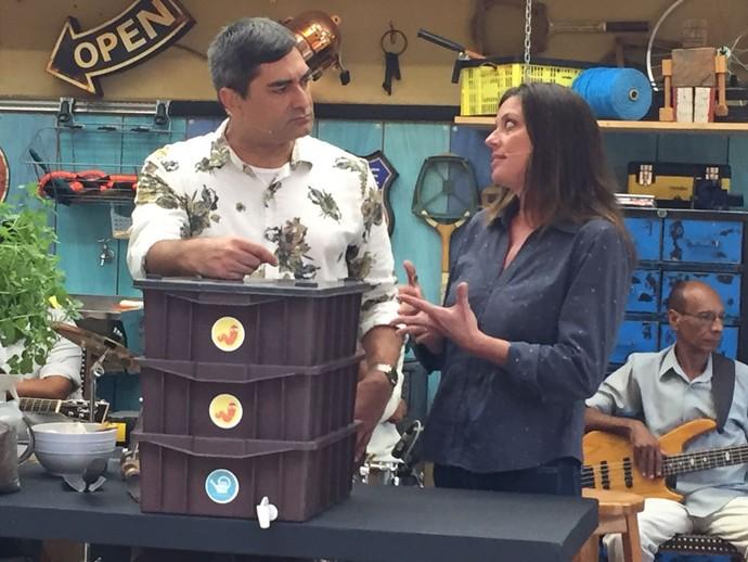 Zeca Camargo conversa com Fernanda Danelon sobre compostagem (Foto: Priscilla Massena/Gshow)