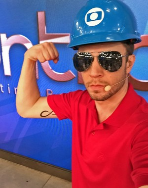 Leifert faz selfie caracterizado para mais uma dublagem  (Foto: Arquivo pessoal)