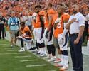 Jogador dos Broncos perde patrocínio após se ajoelhar durante hino dos EUA
