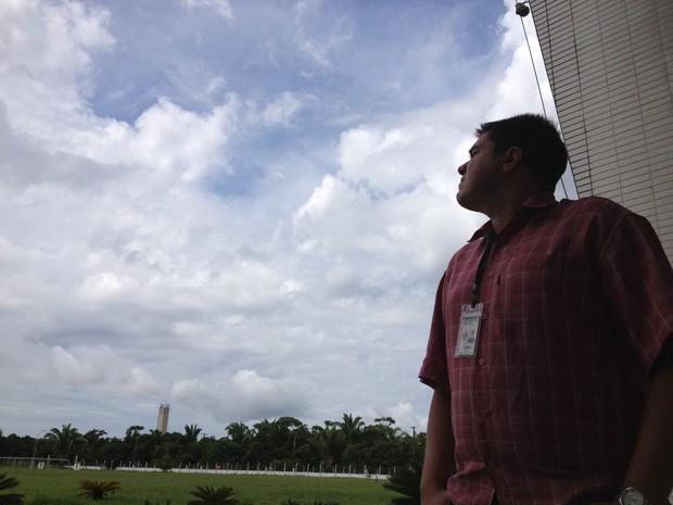 Meteologista Luis Alves, do Sistema de Proteção da Amazônia (Foto: Assem Neto/ G1)