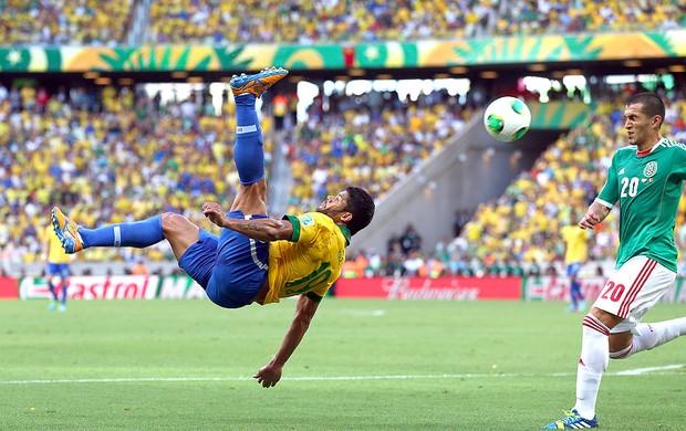 Hulk jogo Brasil México (Foto: Getty Images)