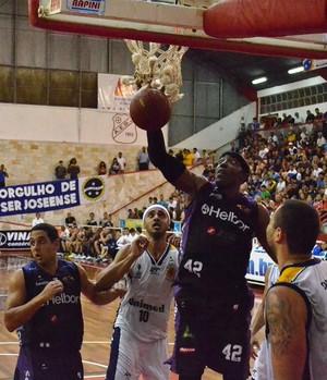 São José Mogi NBB Jeff Agba (Foto: Arthur Costa/GloboEsporte.com)