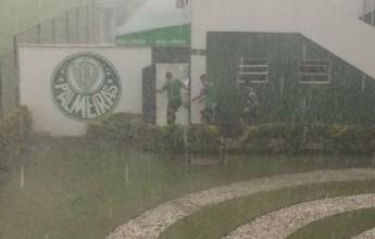 Forte chuva interrompe treino do Palmeiras na Academia