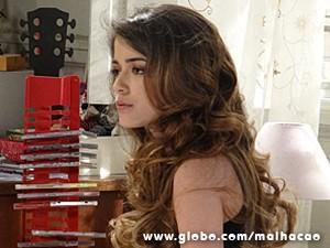Flaviana acha que atitude de Anita é despeito (Foto: Malhação / TV Globo)