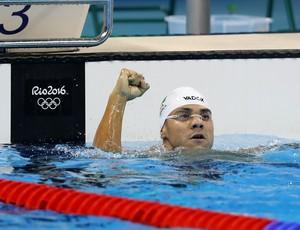 Felipe França comemora classificação nos 100m peito (Foto: Satiro Sodré / SSPress / CBDA)