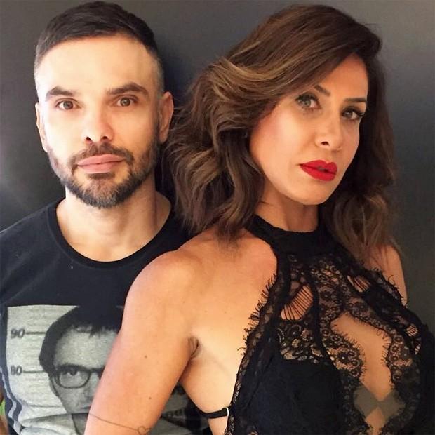 Scheila Carvalho e o hair stylist Márcio Granado (Foto: Reprodução/Instagram)