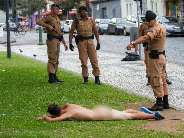 Testemunha diz que poucas pessoas perceberam o homem nu na rua (Foto: Julio Garrido/Arquivo Pessoal)