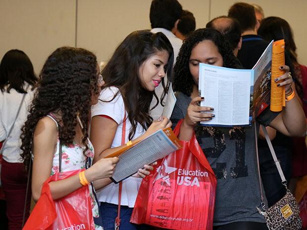 Feira oferece a oportunidade do público conversar diretamente com representantes das principais instituições de ensino dos Estados Unidos (Foto: Ares Soares/Unifor/Divulgação)