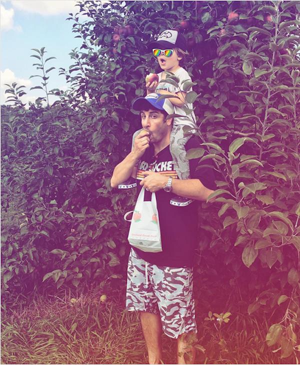 O ator Jason Biggs com o filho mais velho (Foto: Instagram)
