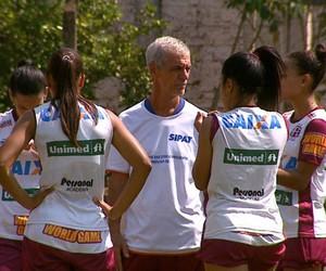 Treino do time feminino da Ferroviária 2014 (Foto: Paulo Chiari/EPTV)