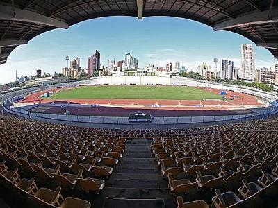 Estádio Willie Davids, em Maringá  (Foto: Fernanda Paradizo/CBAt)
