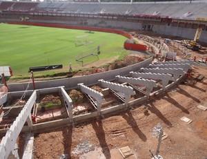 Arquibancadas inferiores do Beira-Rio em obras (Foto: Inter / DVG)