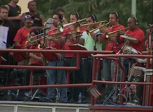 Carnaval papangus Bezerros (Foto: Reprodução / TV Asa Branca)
