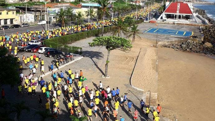 Meia Maratona Internacional de Fortaleza reúne oito mil participantes  (Foto: Divulgação/ André Lima )