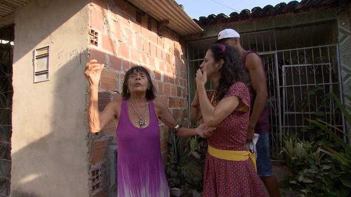 Maria Menezes mapeia o Alto do Peru (Foto: TV Bahia)