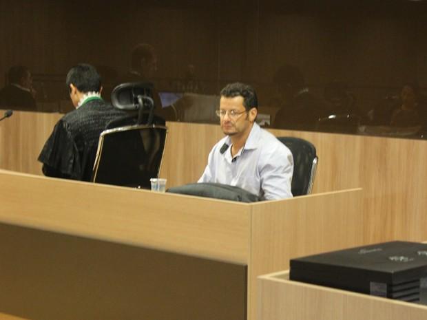 Ex-palhaço voltou a sentar no banco dos réus nesta quarta-feira (15) (Foto: Gustavo Almeida/G1)