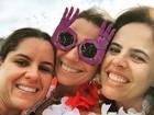 Giovanna Antonelli curte carnaval com o marido e amigas