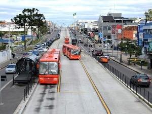 Ônibus vão circular em horário diferenciado (Foto: Divulgação/ prefeitura de Curitiba)