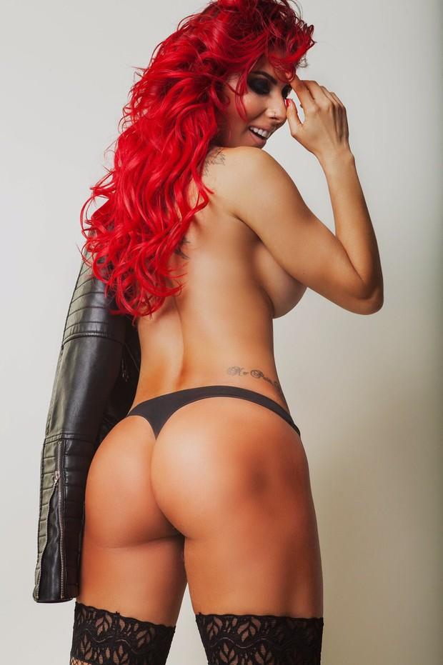 Resultado de imagem para Thaís Bianca posa sensual