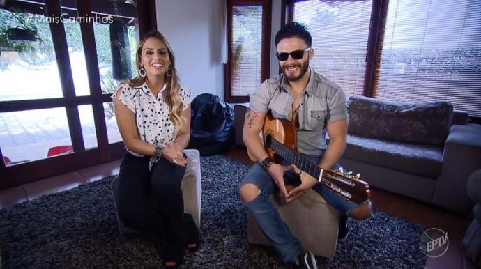 Aline Lima bate um papo com o cantor Rodrigo Marin (Foto: reprodução EPTV)