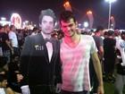Boneco de John Mayer faz sucesso com as mulheres no Rock in Rio
