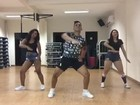 Trio do TO dança 'Deu Onda' e vídeo atinge mais de 2 mi de visualizações