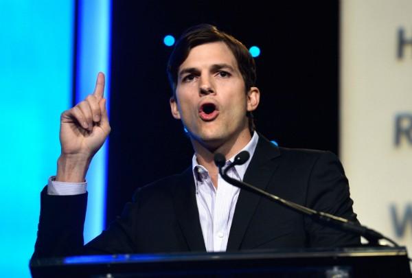 Ashton Kutcher começou sua carreira como ator em 1999, aos 20 anos (Foto: Getty Images)