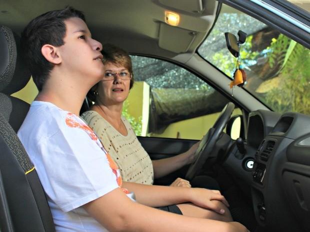 Lúcia com o filho Pedro, em Campo Grande (Foto: Tatiane Queiroz/ G1 MS)