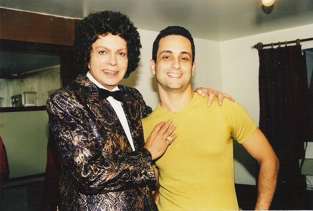 Cauby Peixoto e o autor de sua biografia, Rodrigo Faour (Foto: Reprodução/Facebook)