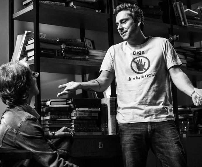 Cassia Kis contracena com Alexandre Nero nos sets da nova novela das 9. Eles são Djanira e Romero Rômulo e a relação dos personagens não vai ser fácil (Foto: Raphael Dias/ Gshow)