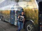 Ônibus de Michel Teló sofre acidente e três ocupantes do outro carro morrem