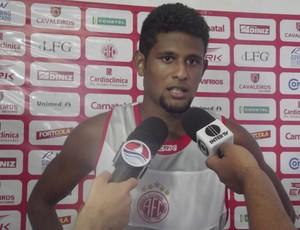 Alysson marcou um dos gols da vitória do América-RN (Foto: Tiago Menezes/GLOBOESPORTE.COM)